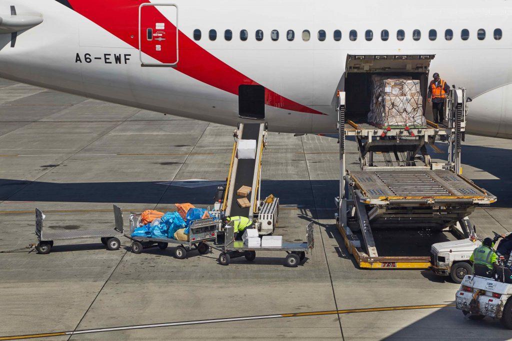 Boeing 777 in Auckland wird entladen am Flughafen